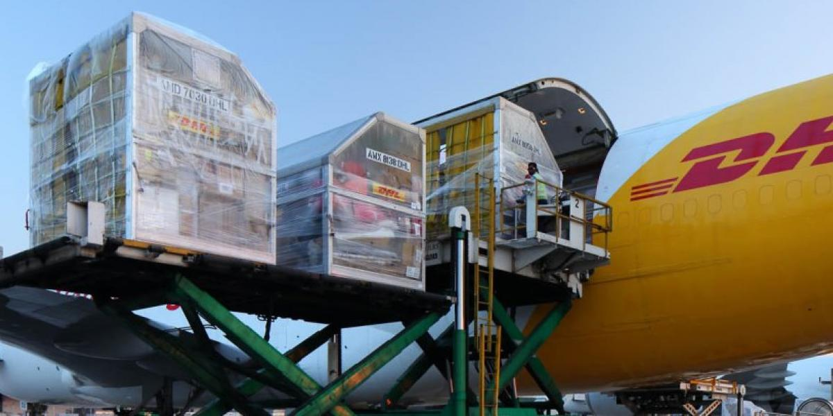 DHL Global Forwarding enables merchants to compare logistics services image
