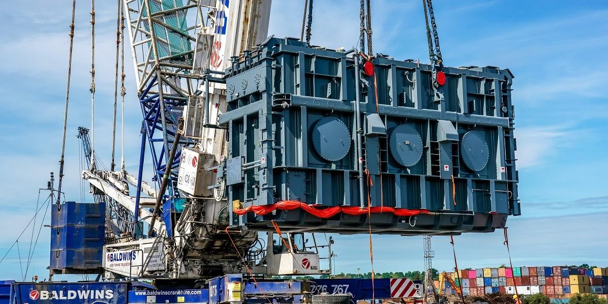 Port of Ipswich completes heavy lift operation in support of National Grid image