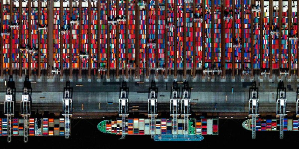 Letter of intent for sale of APM Terminals Rotterdam to Hutchison Ports image