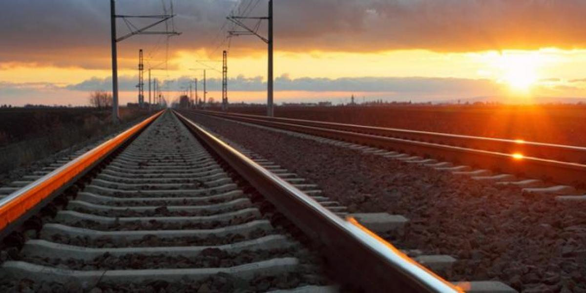 West Coast main line moving 1m tonnes of critical supplies every week image