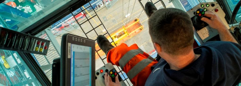 Forth Ports launches digital container-tracking system image